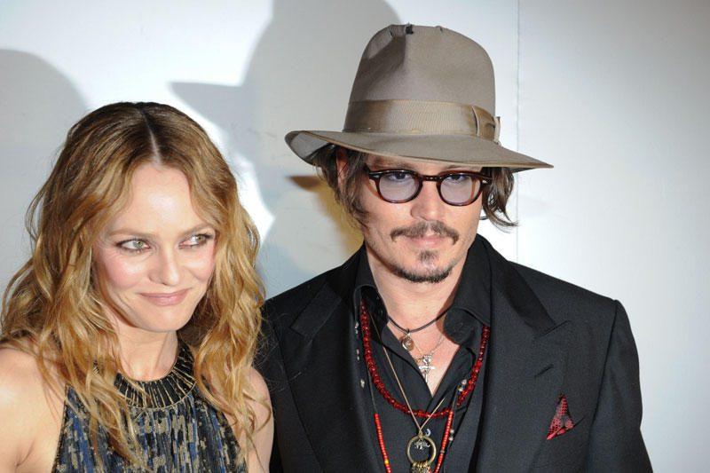 """Johnny Deppas ir Vanessa Paradis po 14 metų """"draugiškai"""" išsiskyrė"""