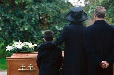 Senelės laidotuvėse dalyvavo 172 anūkai