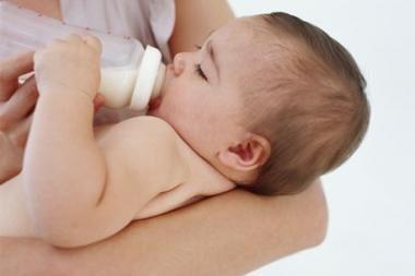 D.Matulionis: sutrumpinus motinystės atostogas, galima sutaupyti 800 mln. litų