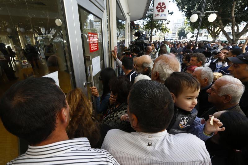 Euro zona patvirtino paramos Kiprui sąlygas