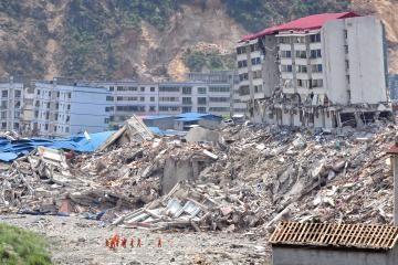 Kinijoje žemės drebėjimo aukų skaičius viršijo 40 tūkst.