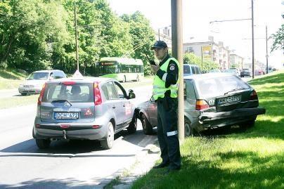 Tyrimas: keliuose - tvarkingi ir operatyvūs pareigūnai