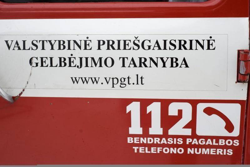 Dėl gaisro Panevėžio baldų įmonėje buvo evakuota 17 žmonių
