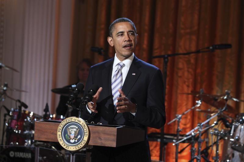 B.Obama Baltuosiuose rūmuose uždainavo su M.Jaggeriu