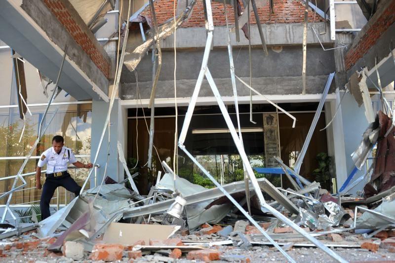 Per žemės drebėjimus Indonezijoje mirė penki žmonės