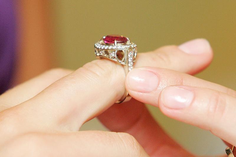 Iš sostinės parduotuvės pavogta juvelyrinių dirbinių už 20 tūkst. litų