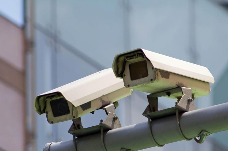 Britanijoje vaizdo kameros įrenginėjamos jau ir mokyklų tualetuose