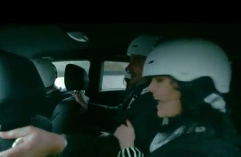 Greičiausia kalėdinė daina – vaizdo įraše iš automobilio