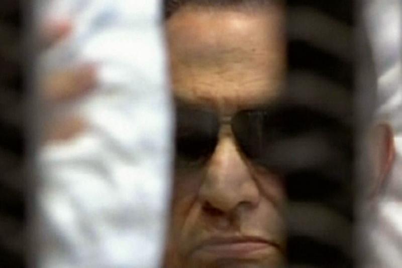 Teismas H.Mubarakui skyrė laisvės atėmimą iki gyvos galvos (papildyta)