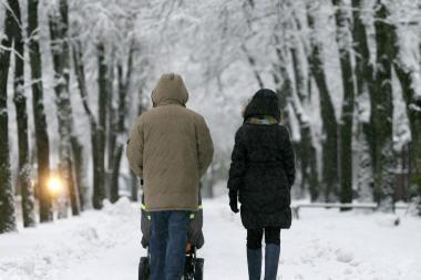 Krizės kamuojamiems vaikams skuba padėti tėvai ir seneliai