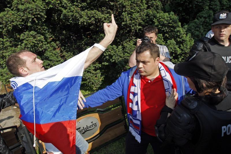 Lenkijoje per futbolo aistruolių susirėmimus suimti 184 žmonės