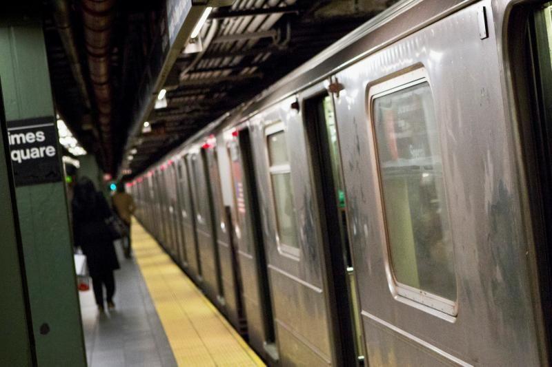 Praeivį po traukiniu nustūmusi niujorkietė: nekenčiu musulmonų