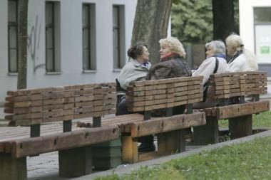 Ministras: pavėlinus pensinį amžių, būtų galima didinti pensijas