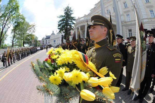 Lietuvoje vyks okupacijos 70-mečio, Gedulo ir vilties dienos minėjimas (programa)