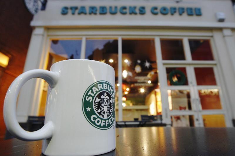 """Braškinė """"frappuccino"""" kava gaminama panaudojus džiovintus vabalus"""