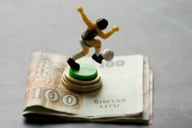 Krizė Europos futbolo grandų pajamų neapkarpė