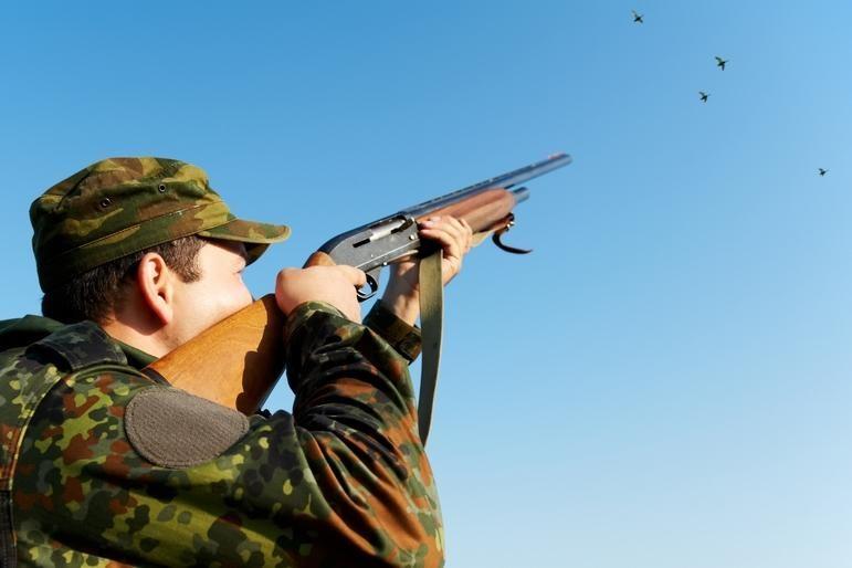 Brakonieriai grasino nušauti aplinkosaugininką