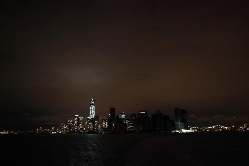 Superaudros nuniokotame Manhatane vėl įžiebiamos šviesos