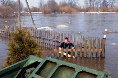 Potvynis pamaryje stabilizavosi, iš Panevėžio - traukiasi