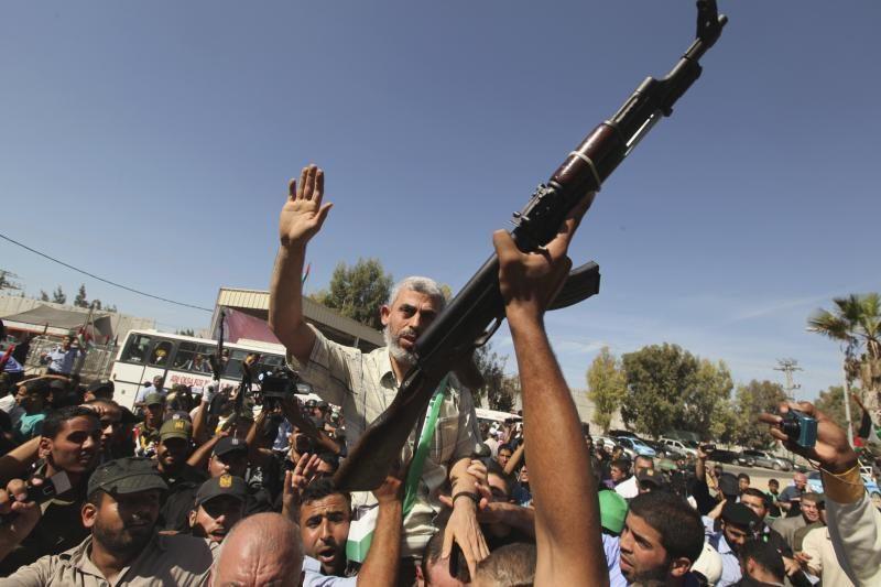 """Palestiniečių judėjimai """"Fatah"""" ir """"Hamas"""" sutiko susivienyti"""