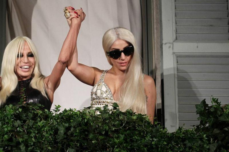 Lady Gaga ir vėl trumpam tapo blondine (foto)