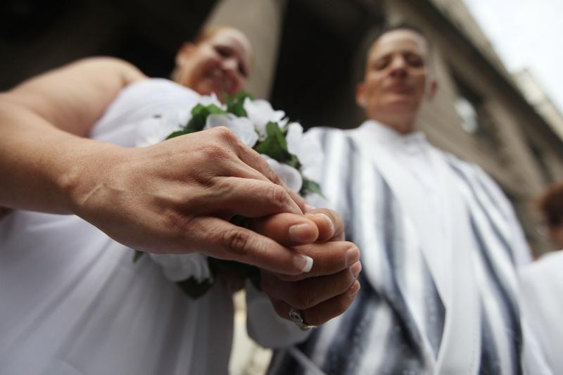Urugvajaus įstatymų kūrėjai balsavo už gėjų santuokų įteisinimą