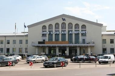Tarptautiniam Vilniaus oro uostui nenaudingas sutartis nutrauks?