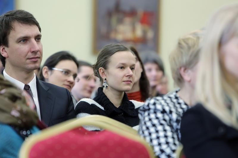Pagal aukštąjį išsilavinimą turinčių 30-mečių skaičių - ketvirti ES