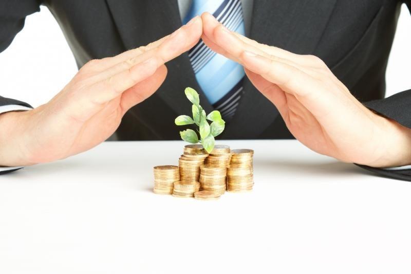 Mažins išlaidas, kad sumažintų biudžeto deficitą