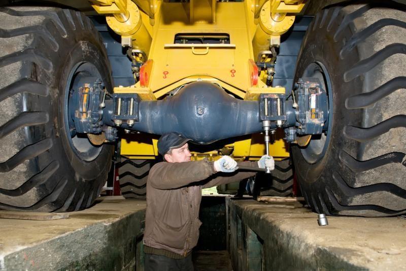 Už techniškai tvarkingo traktoriaus remontą - pusė milijono litų