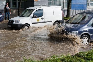 Vilnius ir toliau skęs: nėra pinigų lietaus kanalizacijai tvarkyti