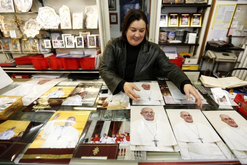 Dėl Bažnyčios misijos susirūpinęs popiežius susitinka su kardinolais