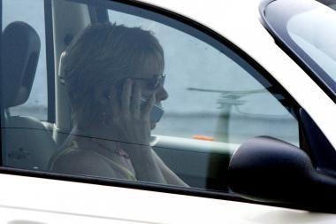 Programa padės susilaikyti nuo telefoninių pokalbių vairuojant