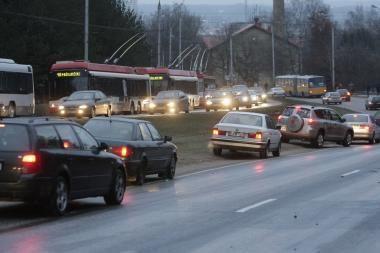 Neblaivūs vairuotojai Vilniuje neramina policiją