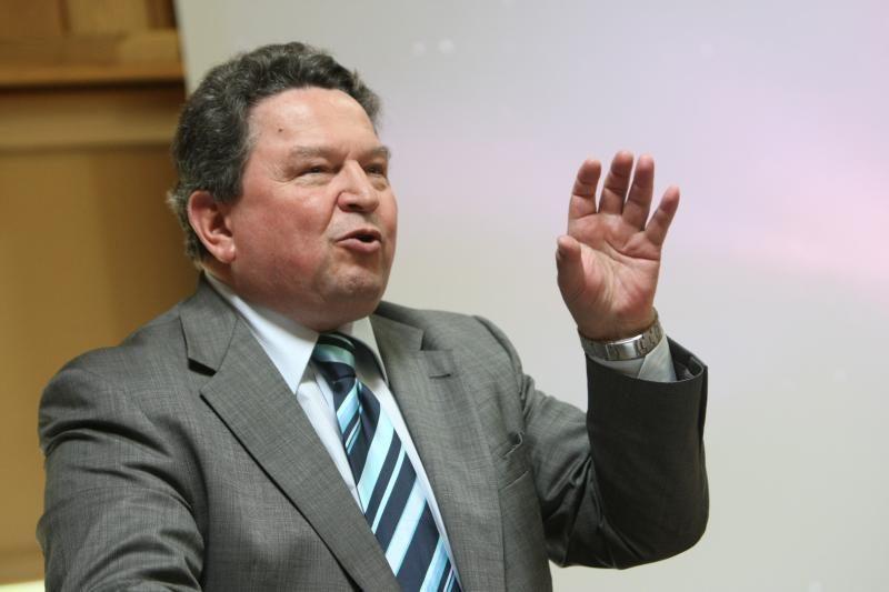 Teismas išteisino A. Matulevičių dėl mitingo prie prezidentūros