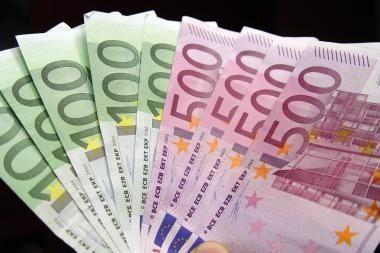 Prancūzijos teismas skyrė 200 tūkst. eurų baudą dėl lėktuvo