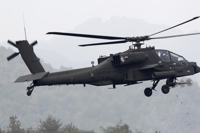 Lietuva planuoja skelbti konkursą trims sraigtasparniams įsigyti