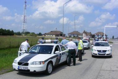 Eismo saugumu pasienyje rūpinosi šeši kelių policijos ekipažai