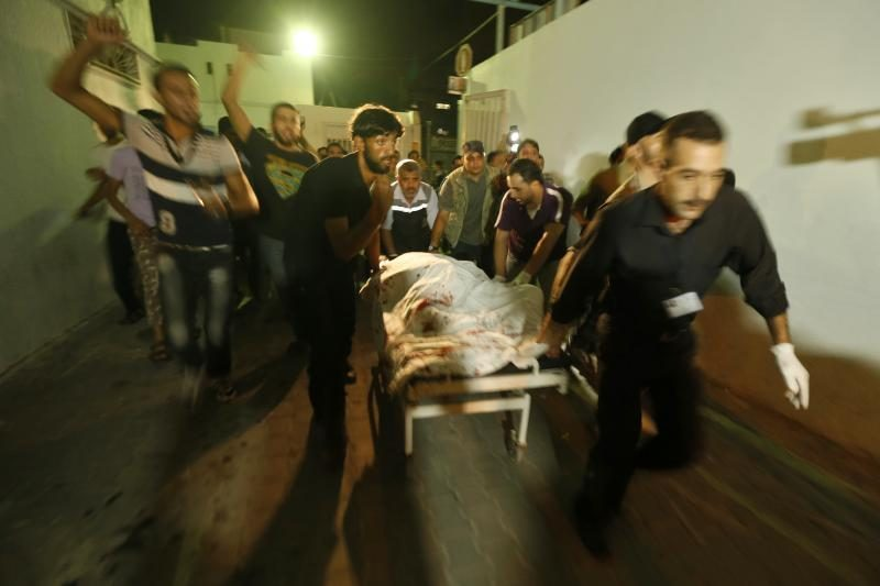 Izraelio kariai prie Gazos Ruožo sienos nušovė vyrą