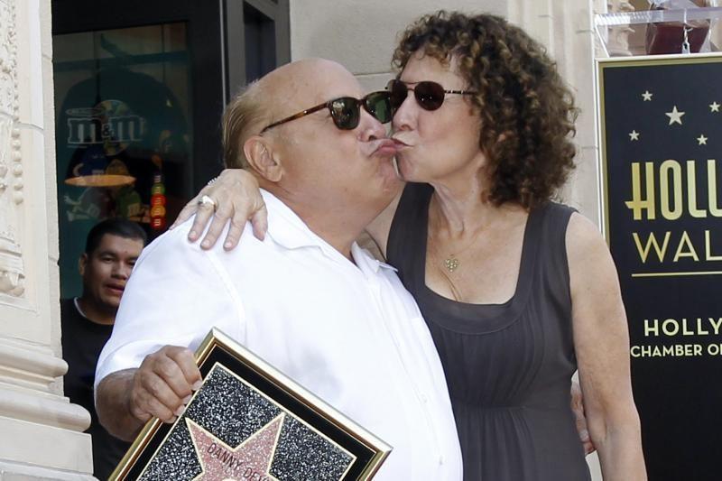 Aktorius D. DeVito po 30 santuokos metų nusprendė skirtis