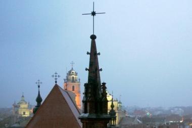 Griūvančias Vilniaus bažnyčias gelbsti gidai