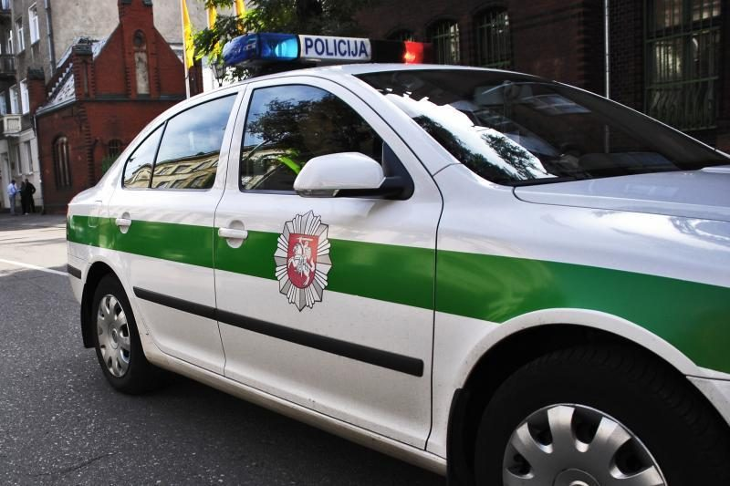 Panevėžio rajone neblaivi vairuotoja, kaip įtariama, sukėlė avariją