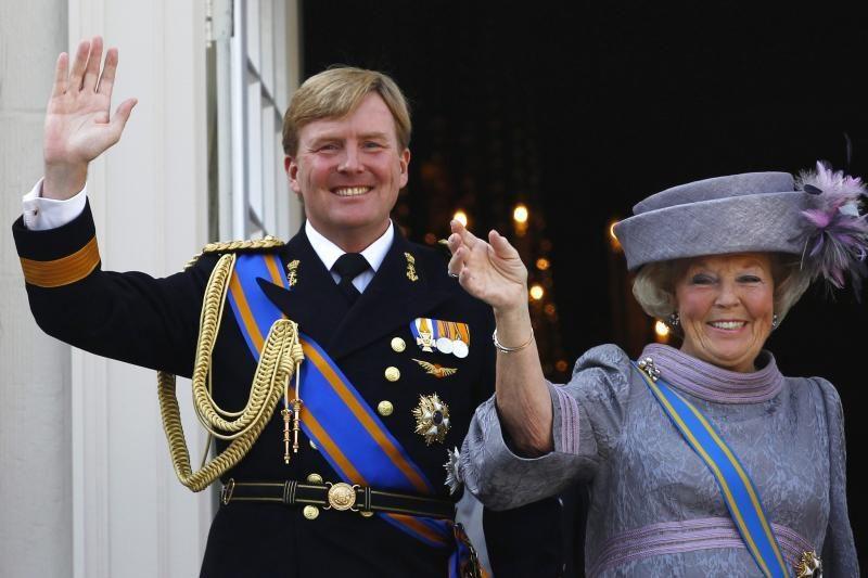 Ar olandai pasitiki Beatričės sprendimu atiduoti sostą sūnui?