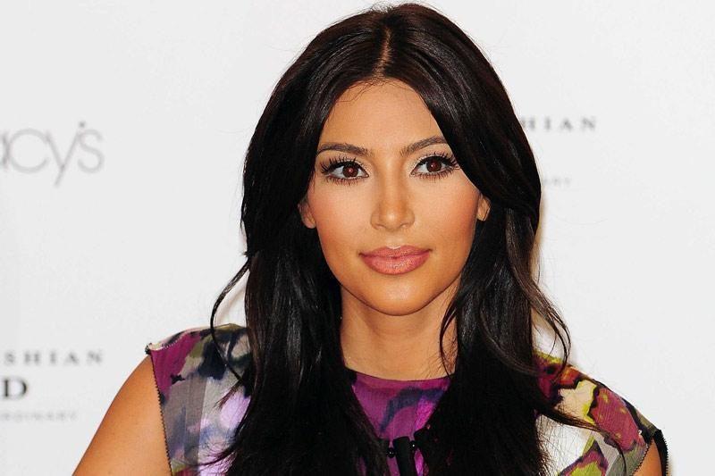 J.Segelis ir K.Kardashian ragina moteris tikrintis dėl krūties vėžio