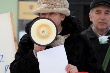 Prie Seimo, prezidentūros ir prokuratūrų piketuotojai reikalavo teisingumo