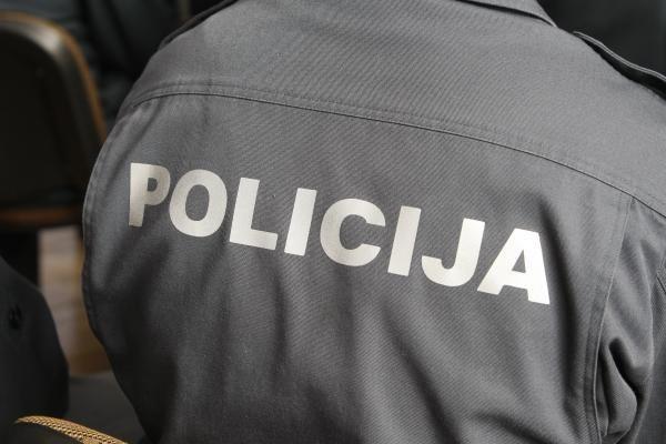 Klaipėdietis policijos pareigūnams siūlė kyšį