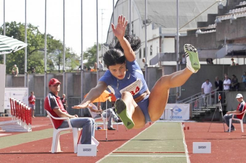 D.Dzindzaletaitė pasaulio jaunimo čempionate pateko į finalą