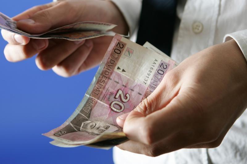 Greitųjų kreditų įmonės direktorius kaltinamas pagrobęs 300 tūkst. Lt
