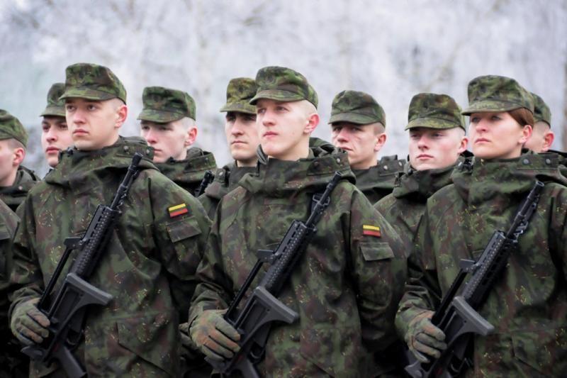 KAM: nesutarus dėl subsidijų, tektų grįžti prie šauktinių kariuomenės