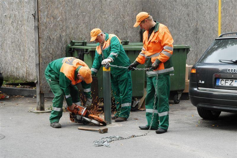 Vilniuje išmontuojami nelegalūs užtvarai